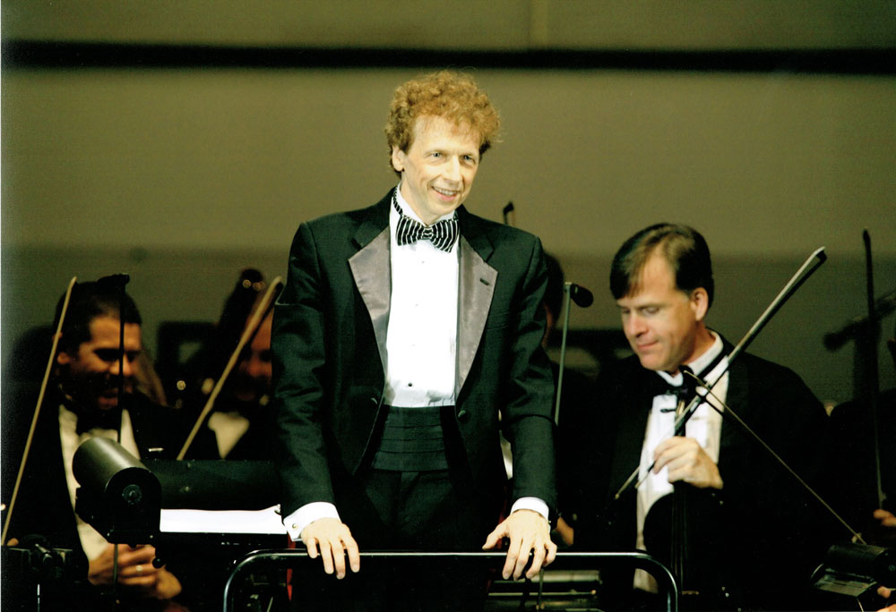 David Campbell Conducting